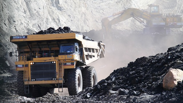active-coal-mining-at-two-bull-ridge